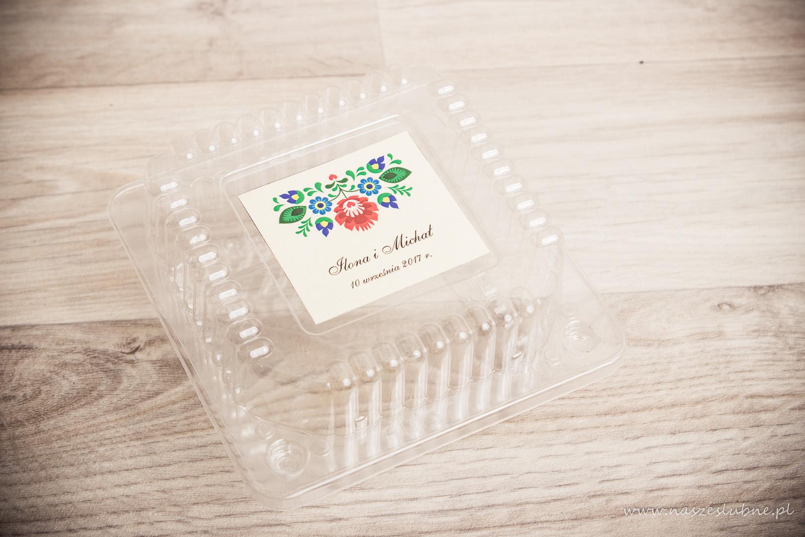 Naklejki na pudełka na ciasto