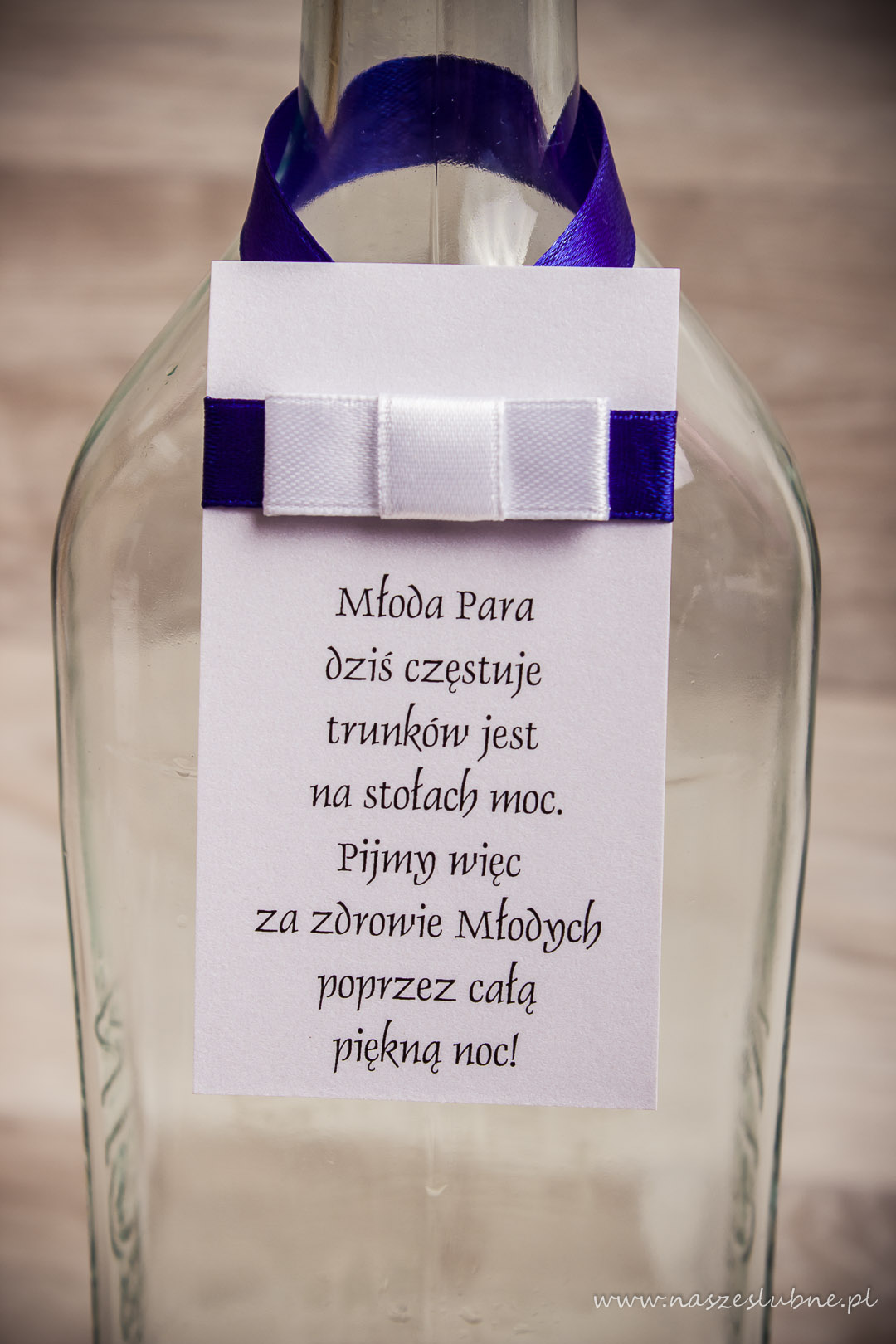 Zawieszka na alkohol – wzór nr 1